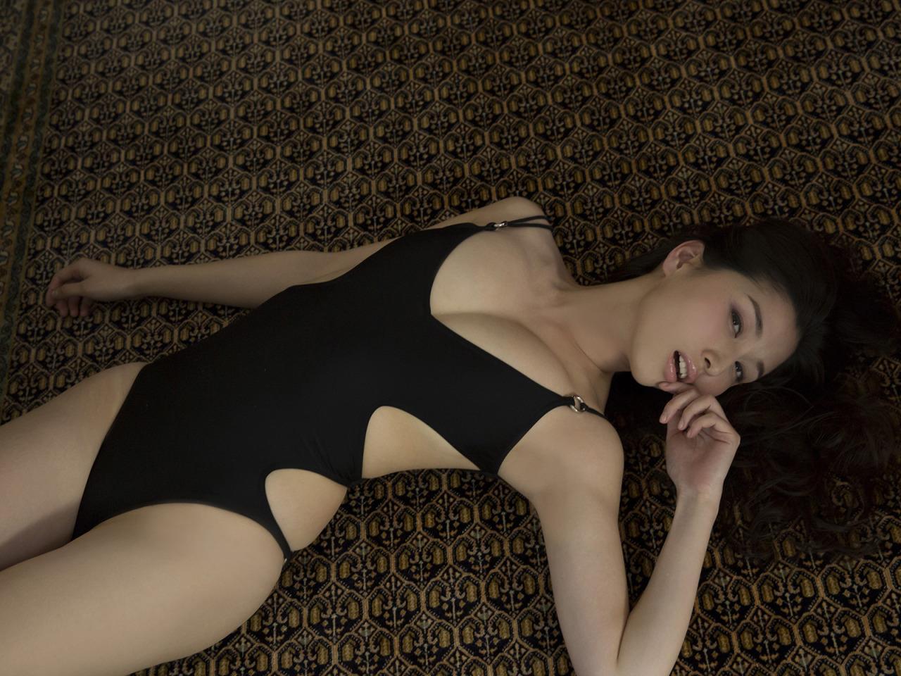 グラドル橋本マナミの過激エロ画像