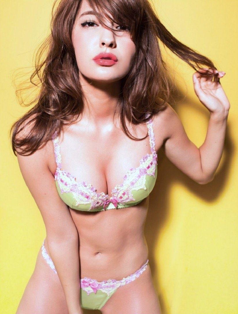 下着モデル マギー 多岐川華子